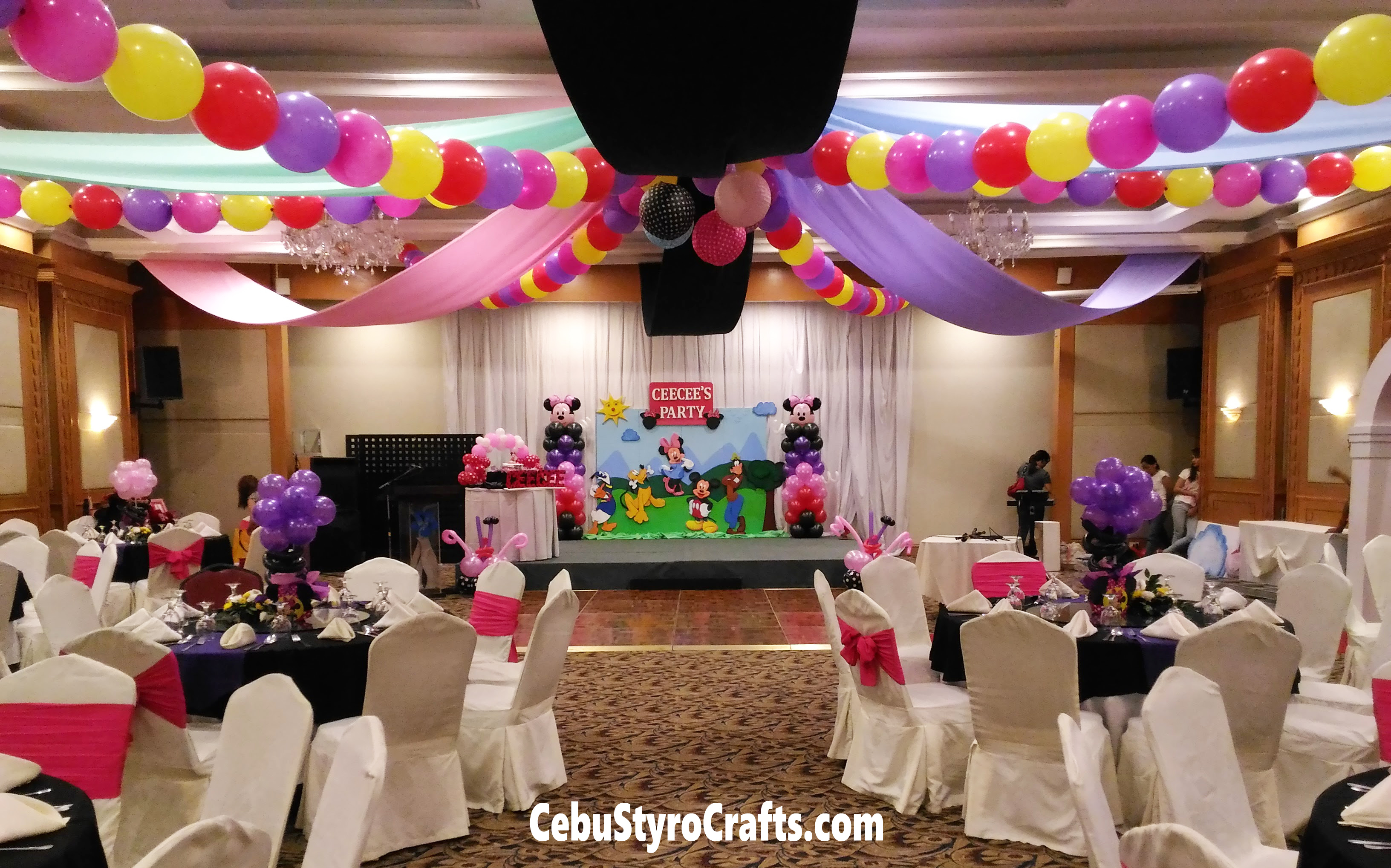 Minnie Mouse Friends Styro Backdrop With Ceiling Works At Parklane